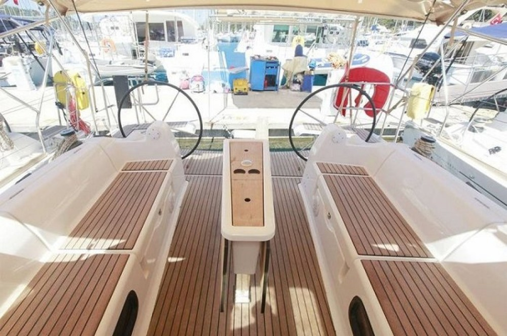 Rental yacht Fethiye - Dufour Dufour 382 GL on SamBoat