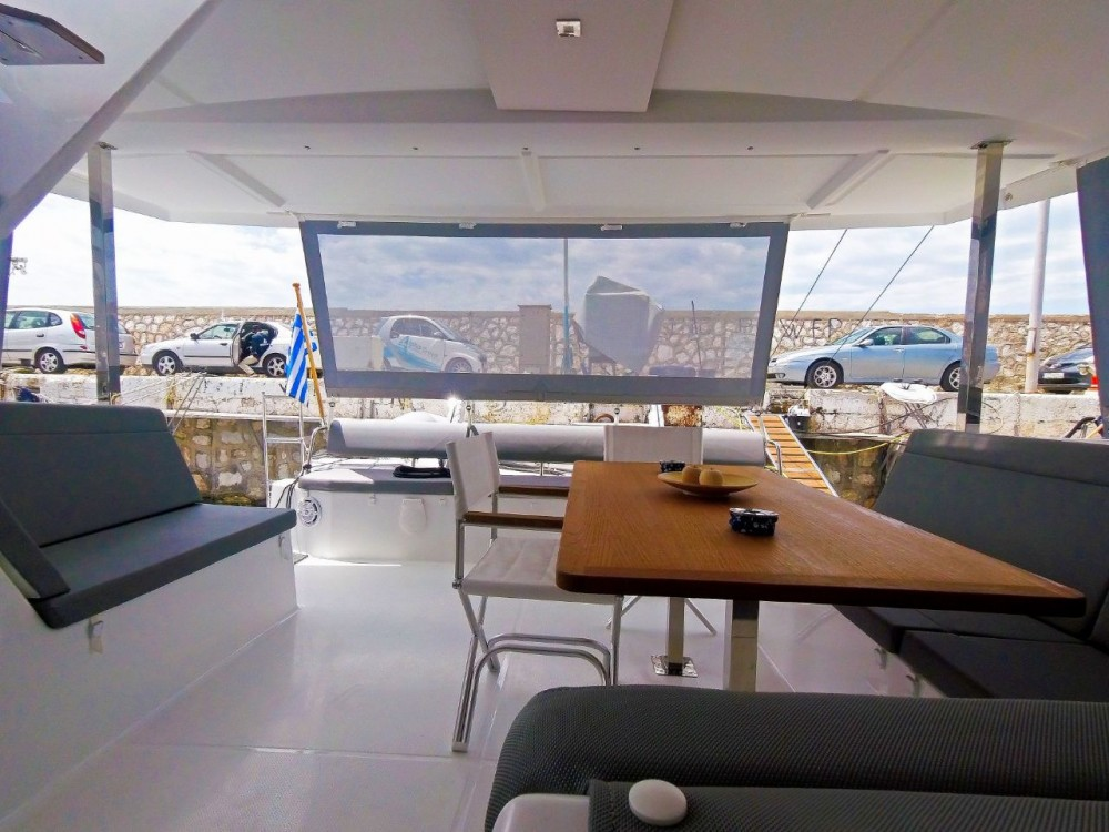 Boat rental Fountaine Pajot Lucia 40 in Mykonos on Samboat