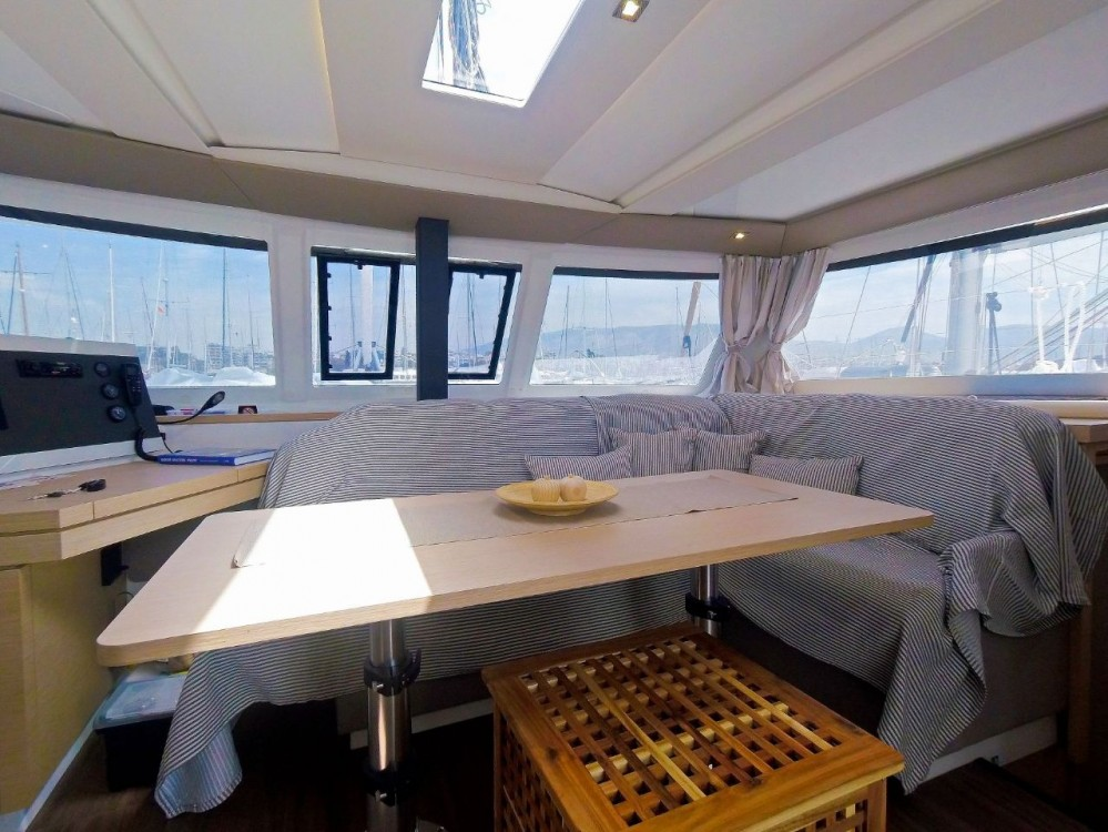 Rental Catamaran in Mykonos - Fountaine Pajot Lucia 40