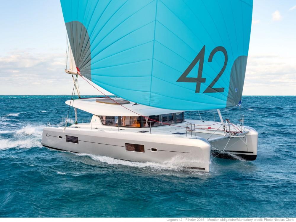 Rental yacht Mykonos - Lagoon Lagoon 42 - 4 + 2 cab. on SamBoat