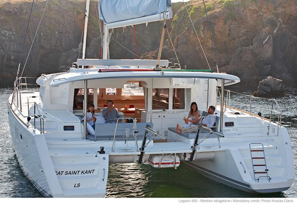 Rental Catamaran in Páros - Lagoon Lagoon 450 - 4 + 2 cab.