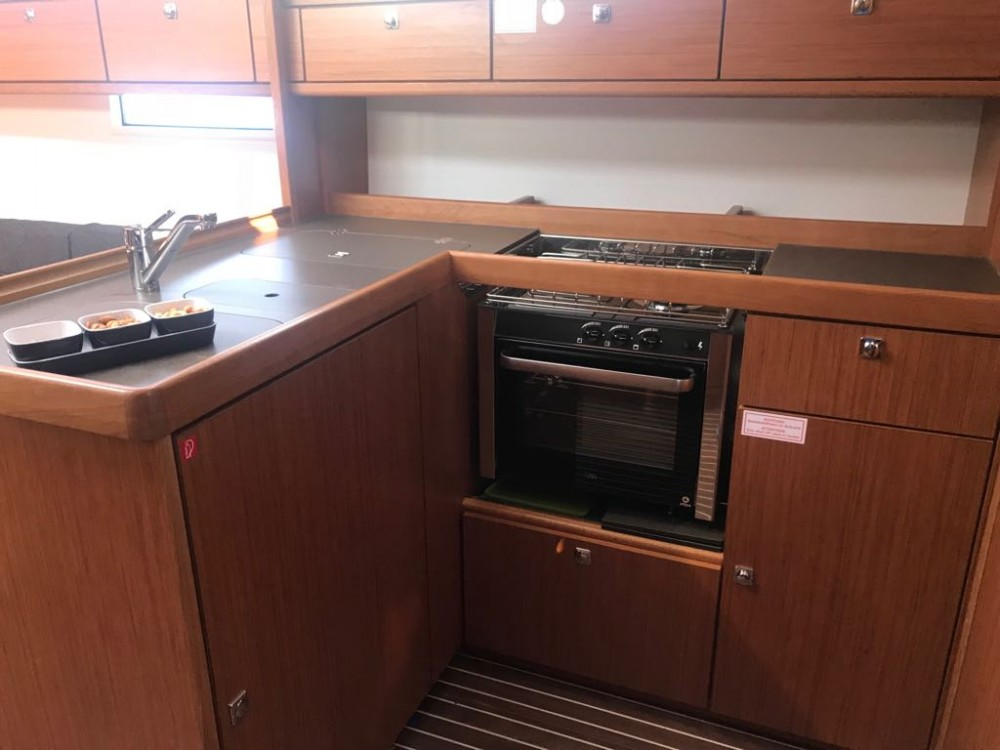 Bavaria Bavaria Cruiser 37 - 3 cab. between personal and professional