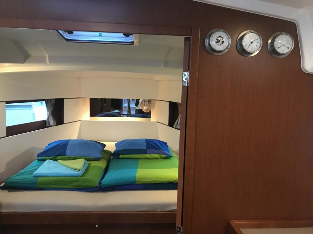 Boat rental Seget Donji cheap Oceanis 38.1