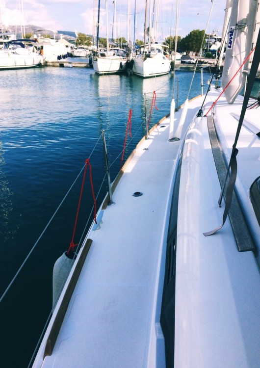 Jeanneau Sun Odyssey 419 between personal and professional Lefkada