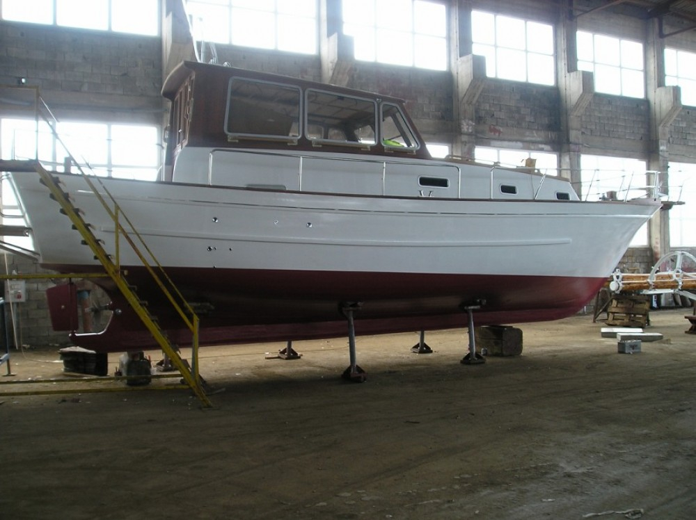 Motorboat for rent Murter at the best price