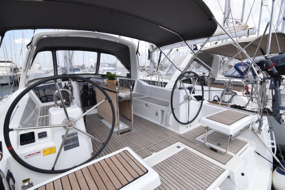 Hire Sailboat with or without skipper Bénéteau Peloponneso