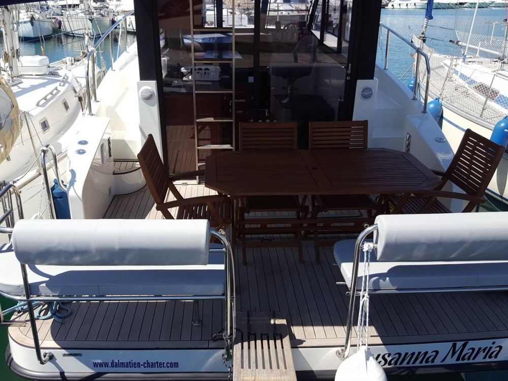 Hire Motorboat with or without skipper Futura-Yachts