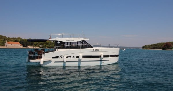 Rental Motorboat in Kukljica - Futura-Yachts Futura 36