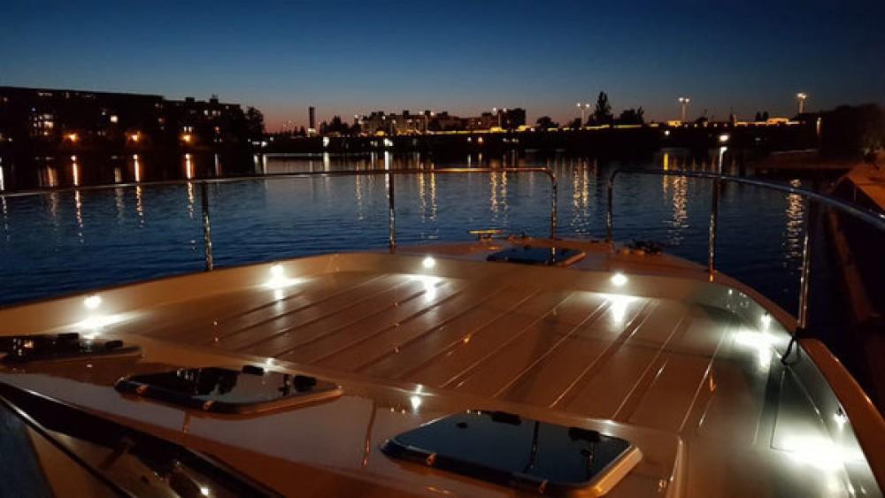 Boat rental  cheap Futura 36