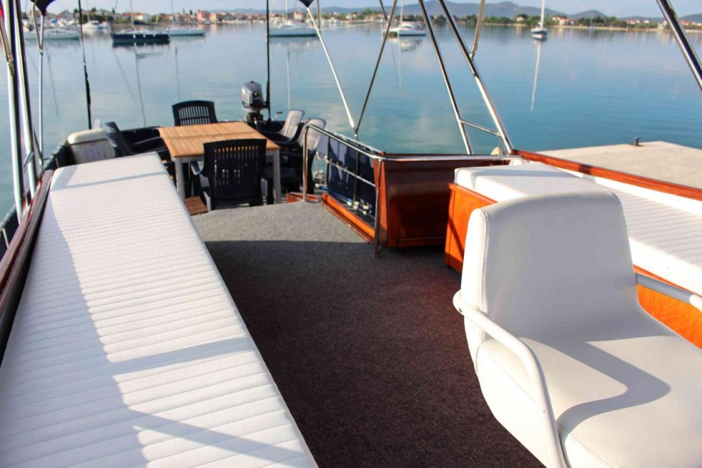Rental Motorboat in Općina Kukljica - De-Groot Payo 1225 Fly