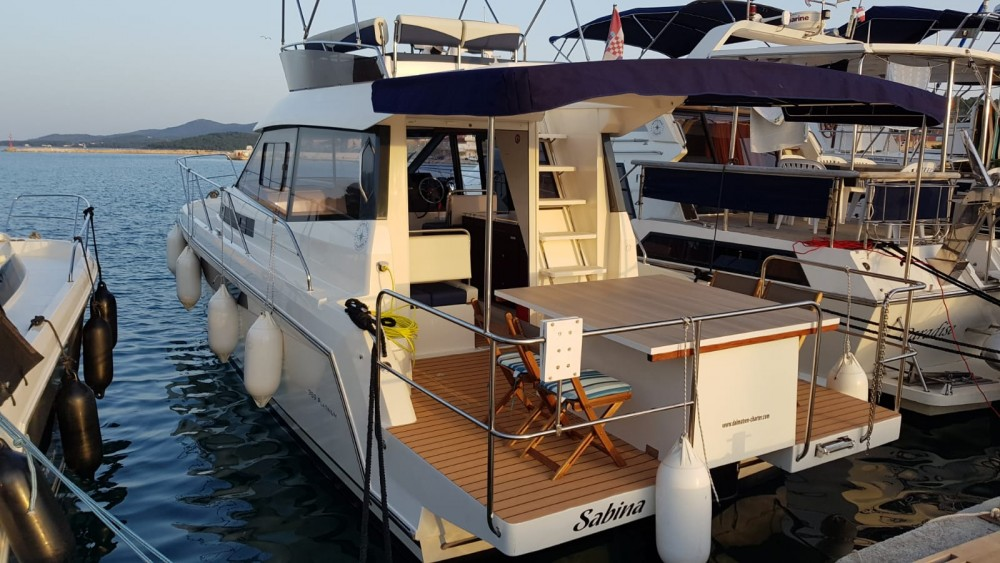 Rental Motorboat Delphia-Yachts with a permit