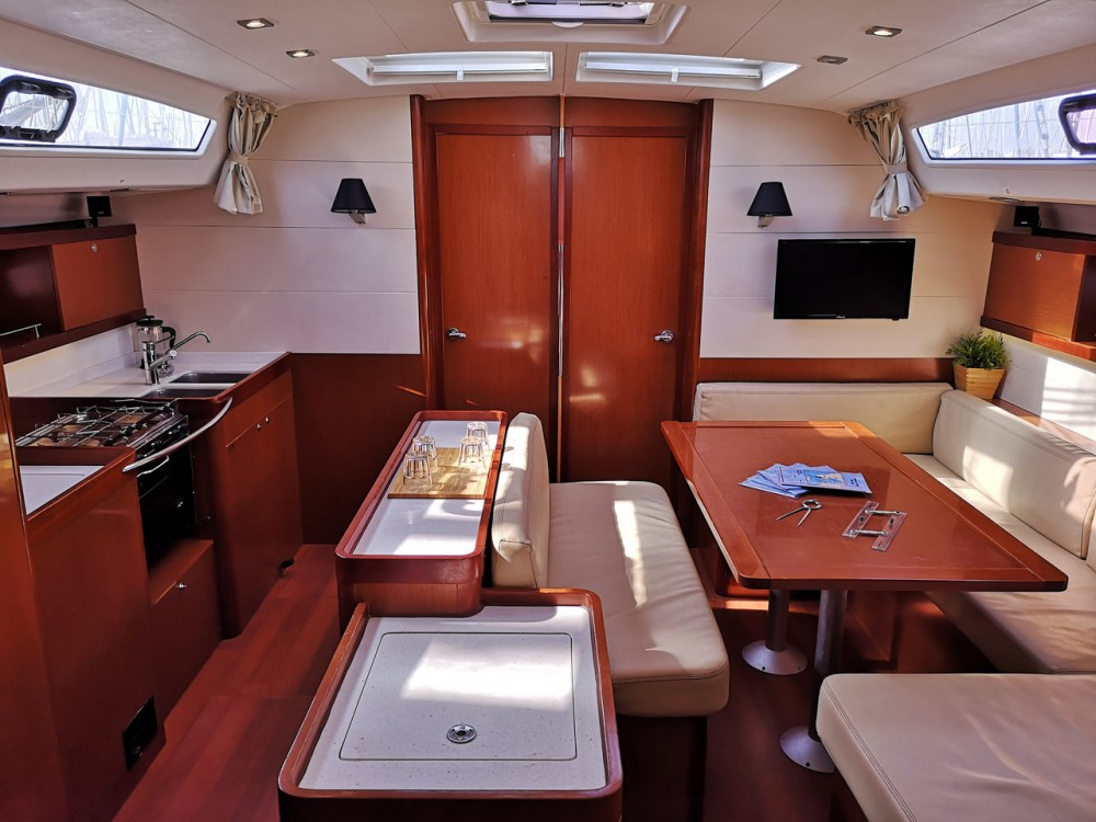 Rental Sailboat in Corfù - Bénéteau Oceanis 50 - 5 + 1 cab.