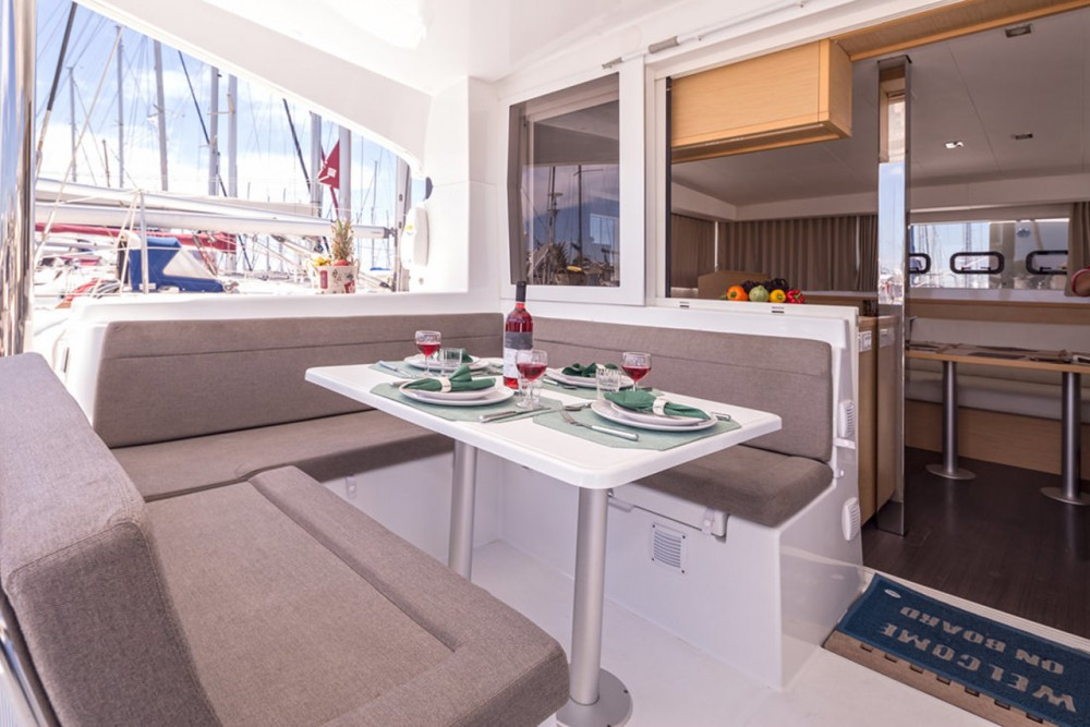 Hire Catamaran with or without skipper Lagoon Lefkada