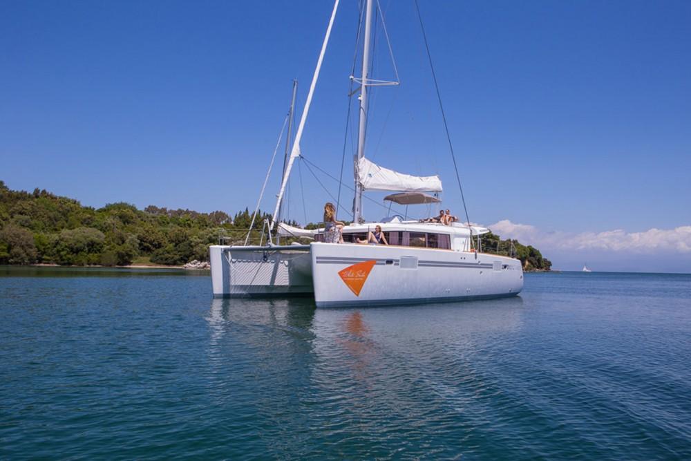 Rental yacht Lefkada - Lagoon Lagoon 450 F - 4 + 2 cab. on SamBoat