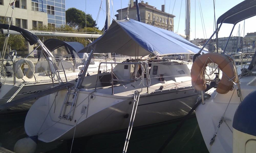 Boat rental Elan Elan 31 in  on Samboat
