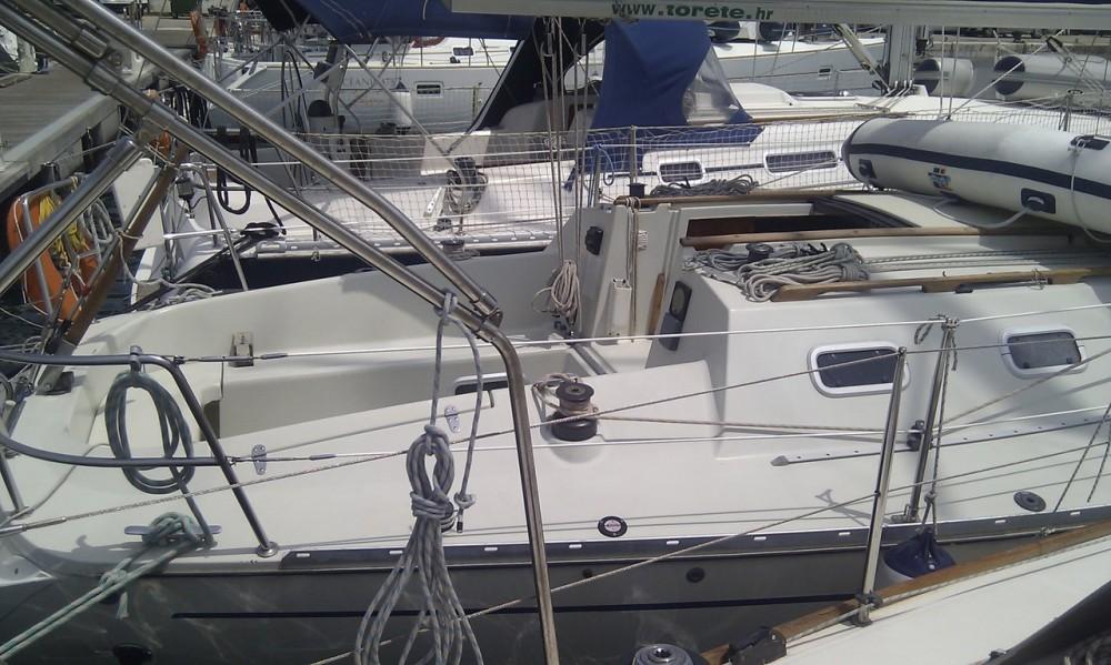 Rental Sailboat in  - Elan Elan 31