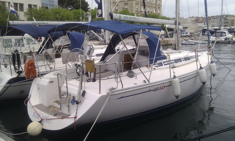 Rental yacht Grad Zadar - Elan Elan 333 on SamBoat