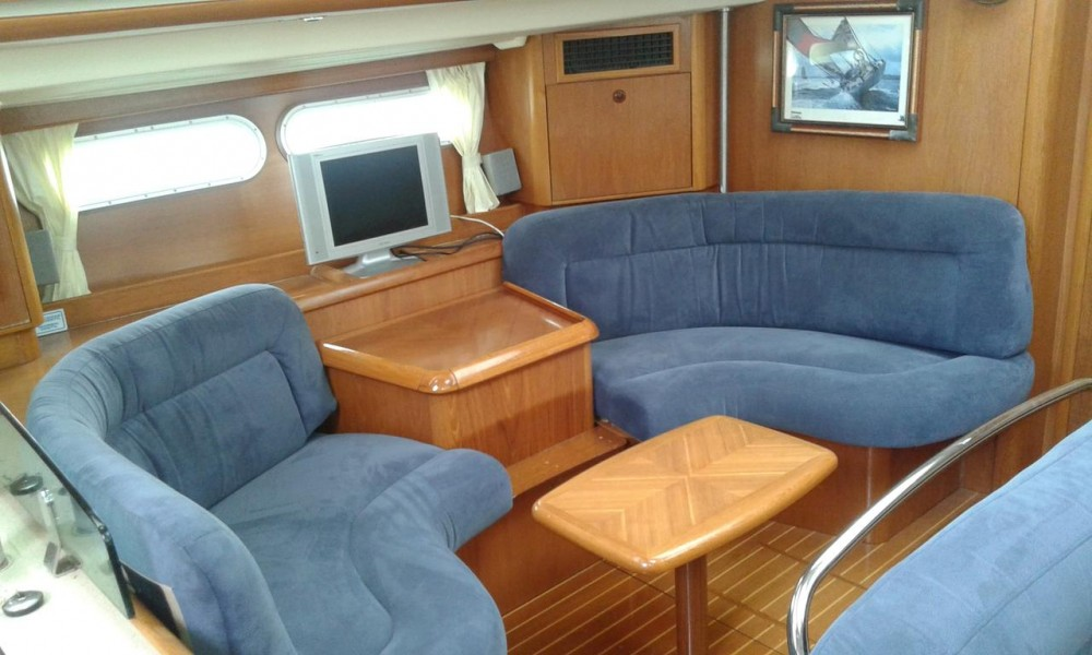 Hire Sailboat with or without skipper Jeanneau Grad Zadar