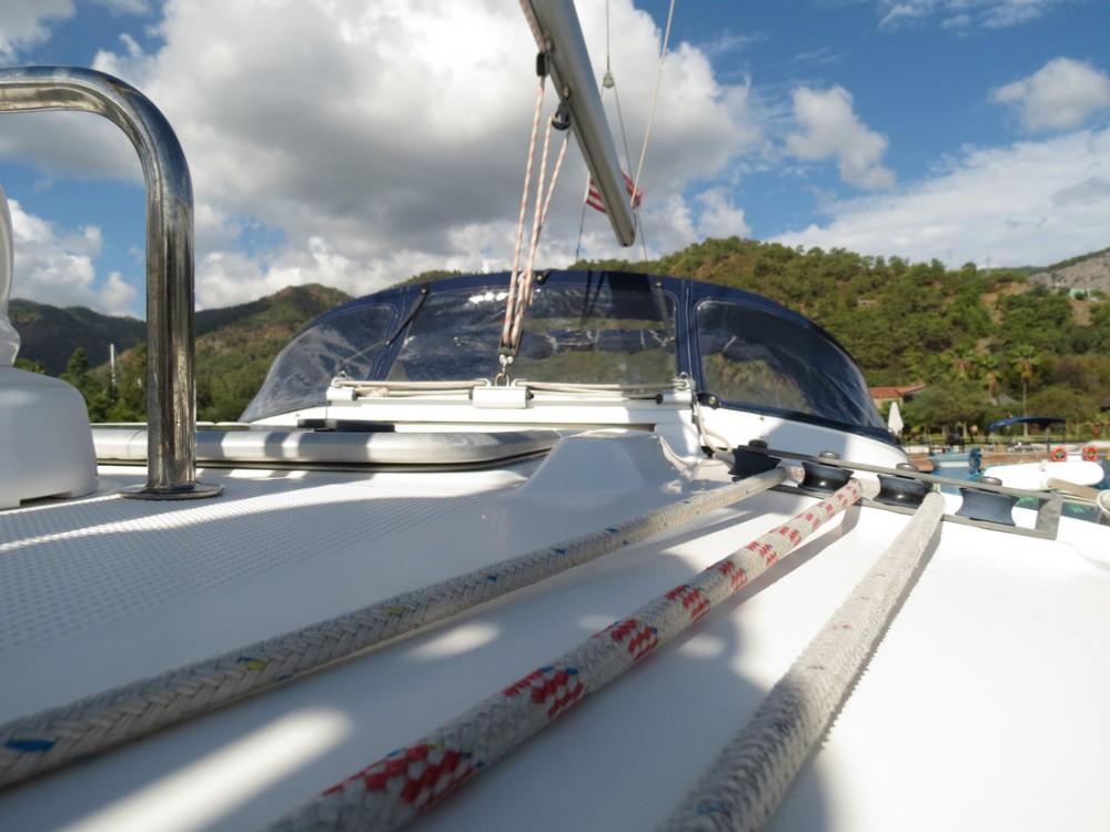 Boat rental Bavaria Bavaria 43 Cruiser in Muğla on Samboat