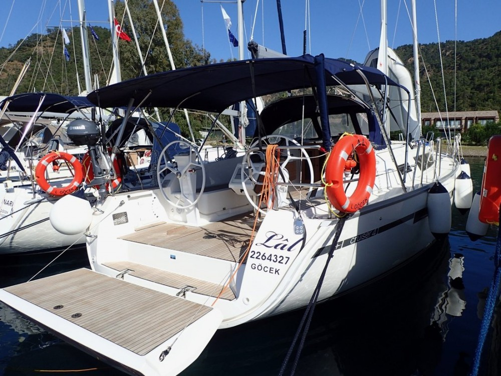 Boat rental Bavaria Bavaria Cruiser 41 - 3 cab. in Muğla on Samboat