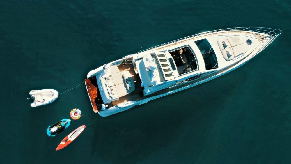 Rental Yacht Azimut-Benetti-Yachts with a permit