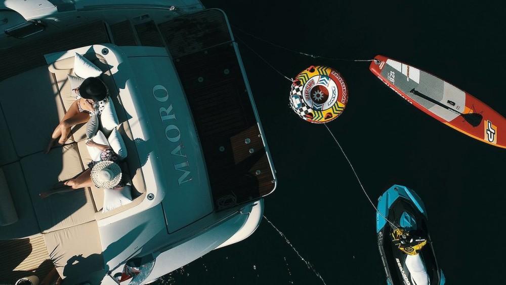 Azimut-Benetti-Yachts Azimut 68 - 3 + 1 cab. between personal and professional Split