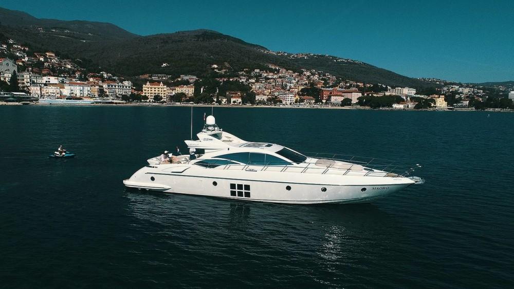Boat rental Azimut-Benetti-Yachts Azimut 68 - 3 + 1 cab. in Split on Samboat