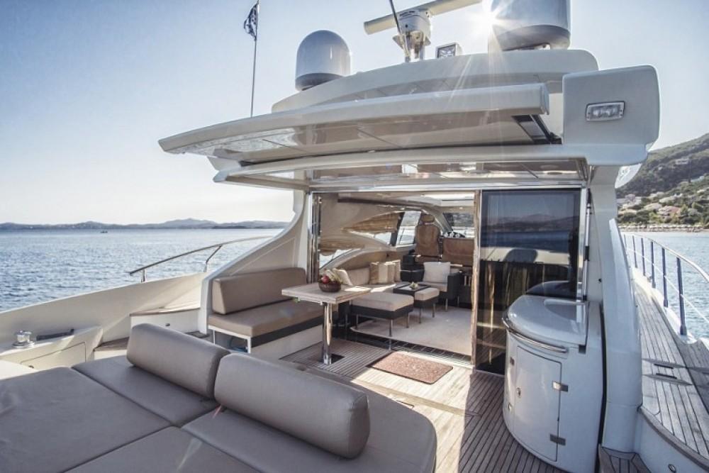 Boat rental Split cheap Azimut 68 - 3 + 1 cab.