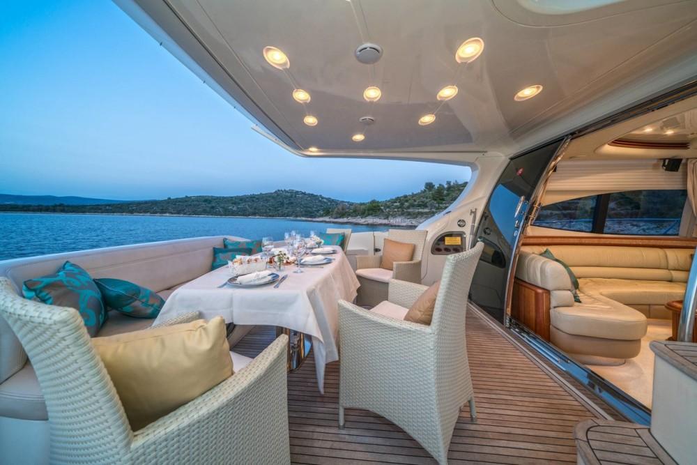 Rental Motorboat in Split - Azimut-Benetti-Yachts Azimut 68 EVO - 4 cab.