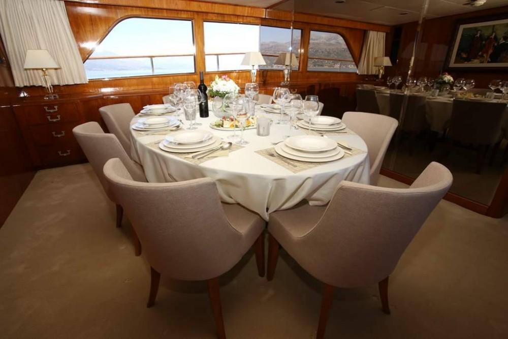 Rental yacht  - Broward Broward 30M on SamBoat