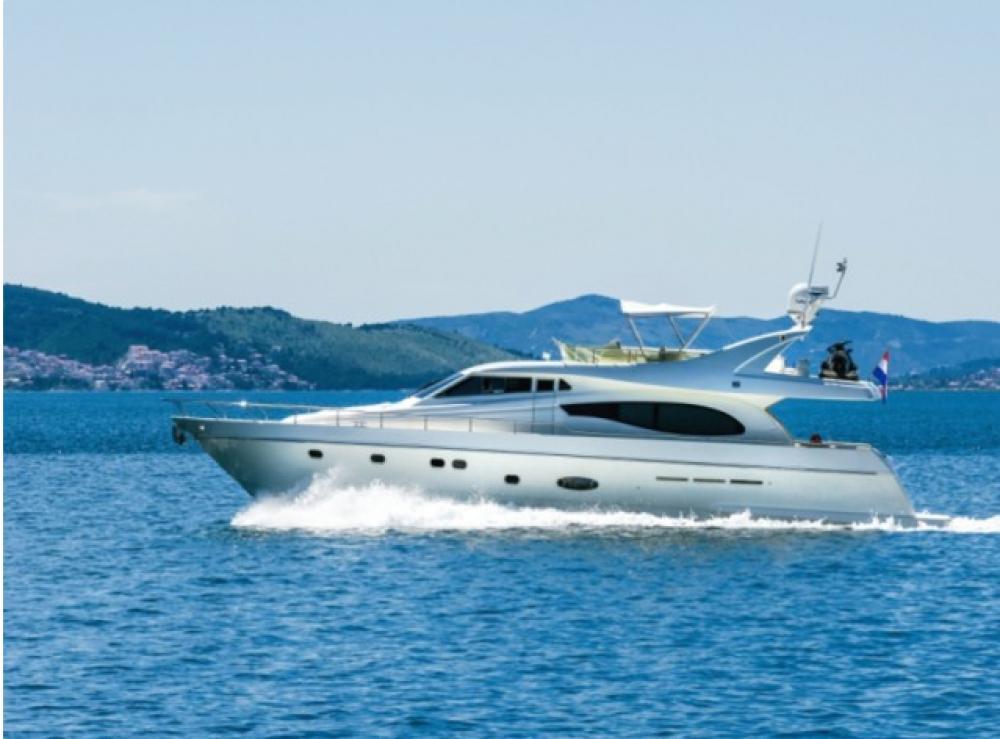 Rental yacht Split - Ferretti-Yachts-Group Ferretti 730 on SamBoat