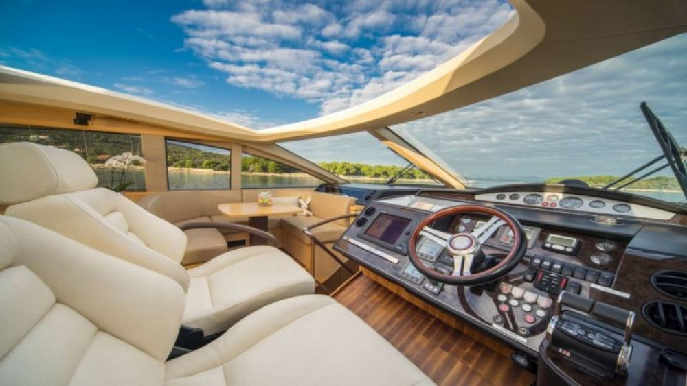 Hire Motorboat with or without skipper Princess-Yachts Split