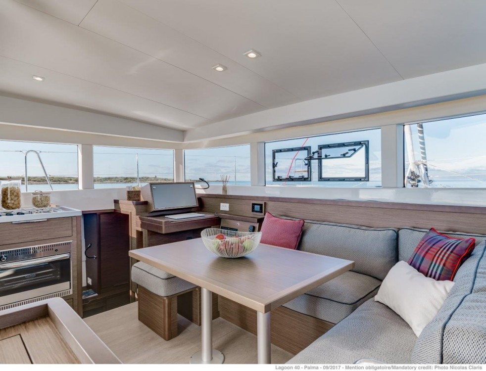 Rental yacht Portocolom - Lagoon Lagoon 40 - 4 + 2 cab  on SamBoat