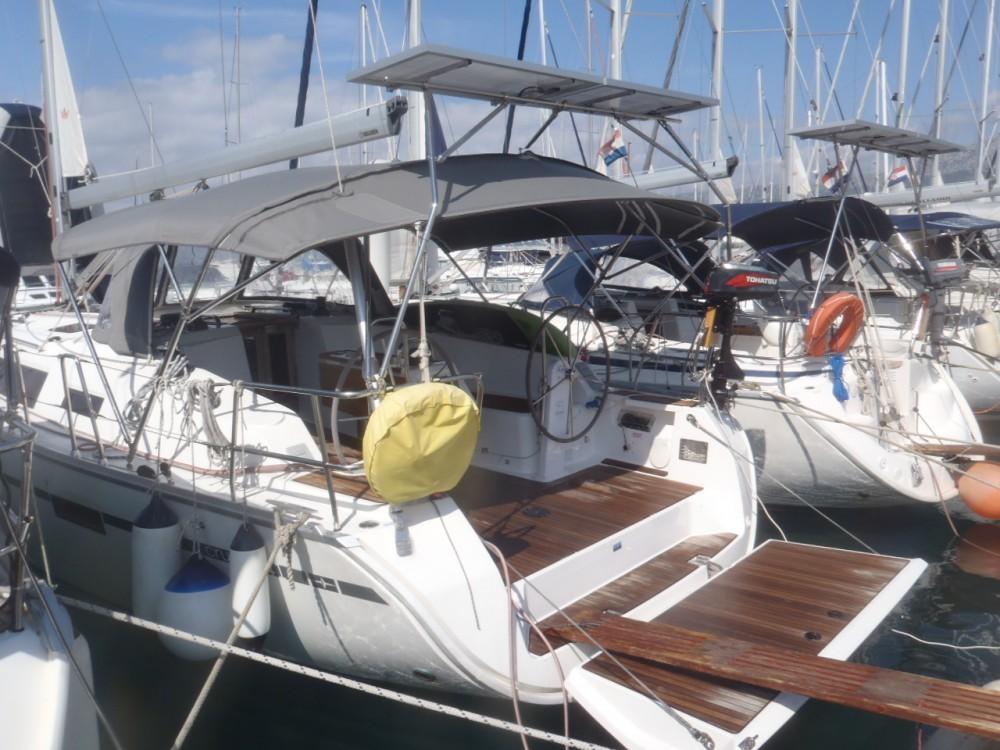 Boat rental Bavaria Cruiser 41 in Split on Samboat