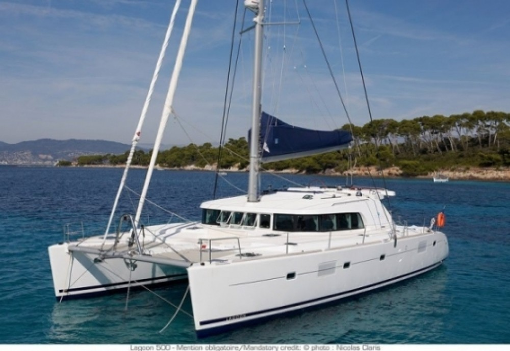 Boat rental Lagoon Lagoon 500 - 5 + 1 + 1 cab. in Peloponnese on Samboat