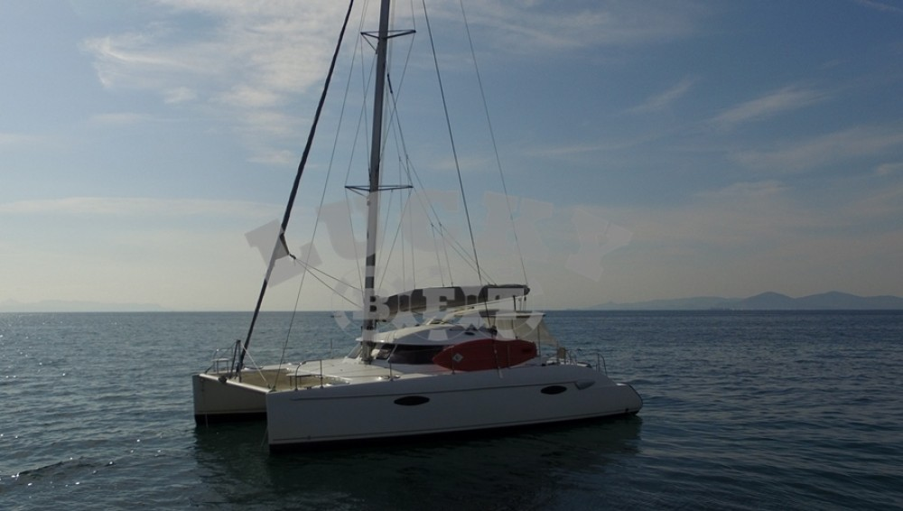 Boat rental Fountaine Pajot Lavezzi 40 - 4 cab. in Peloponnese on Samboat
