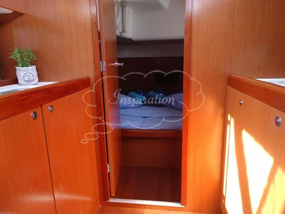 Boat rental Bénéteau Oceanis 54 - 4 cab. in Peloponnese on Samboat