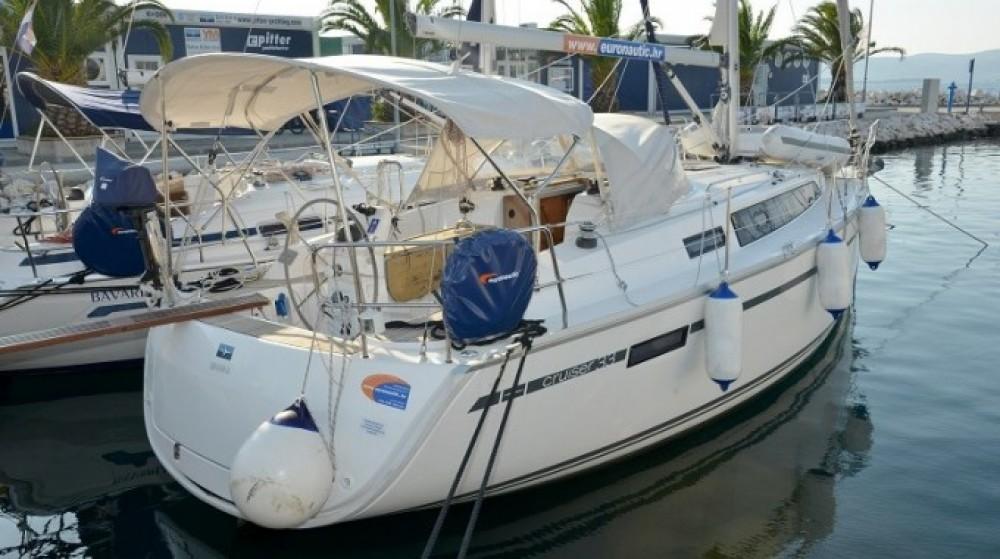 Bavaria Cruiser 33 between personal and professional Pirovac