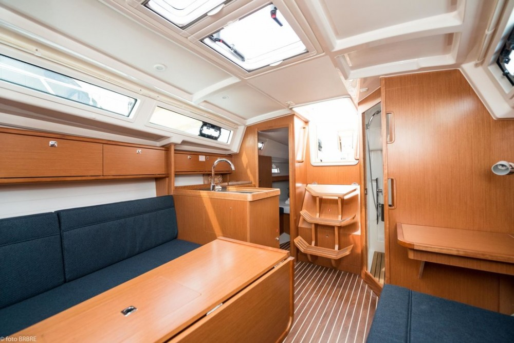 Rental yacht Pirovac - Bavaria Cruiser 34 on SamBoat