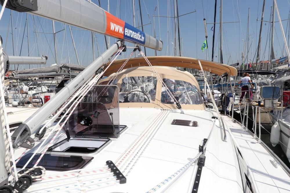 Rental yacht Croatia - Bavaria Cruiser 46 on SamBoat