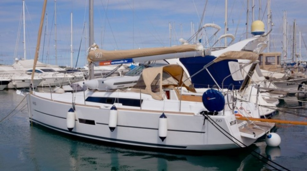 Boat rental Dufour Dufour 350 Grand Large in  on Samboat