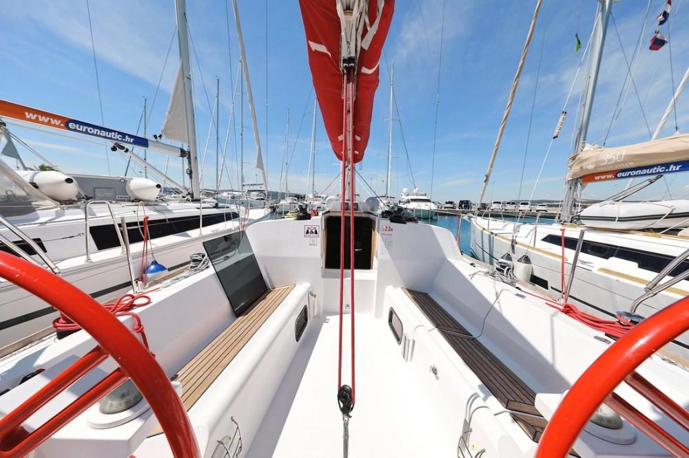Boat rental  cheap Elan 350 Performance - 3 cab.