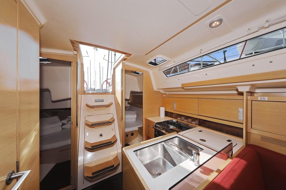 Rental Sailboat in  - Elan Elan 350 Performance - 3 cab.