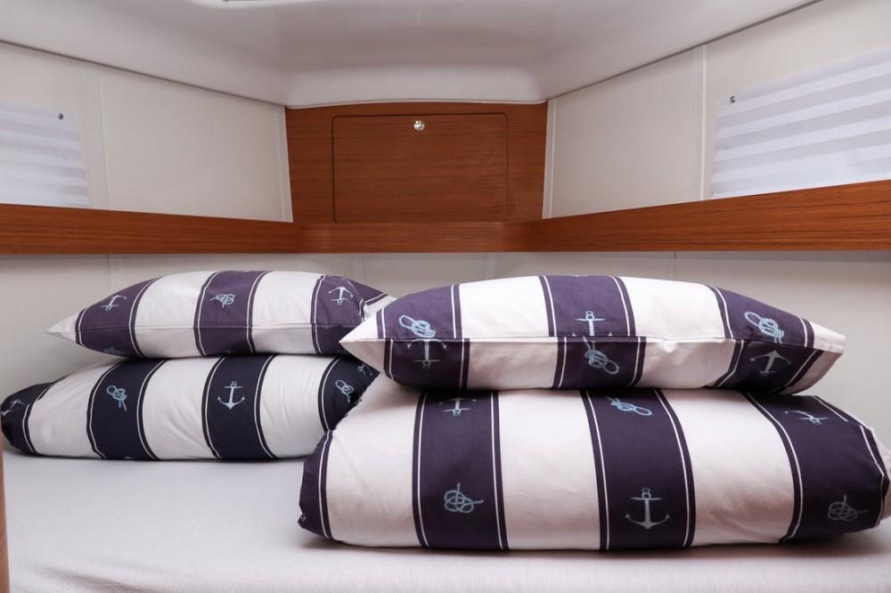 Rental Sailboat in  - Elan Elan Impression 45
