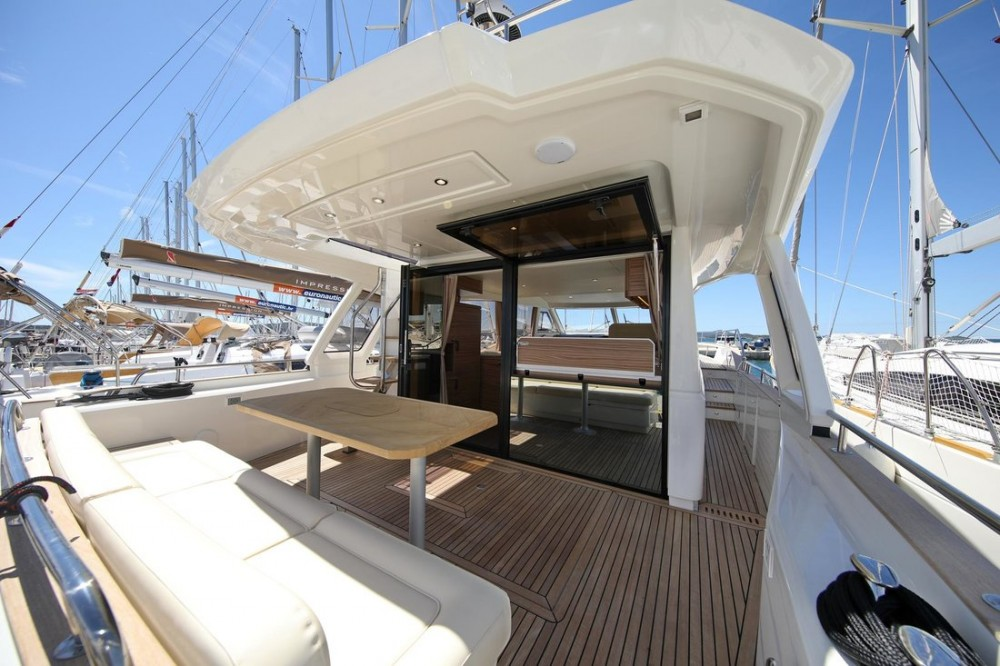 Greenline Greenline Hybrid Ready 48 Fly between personal and professional Croatia