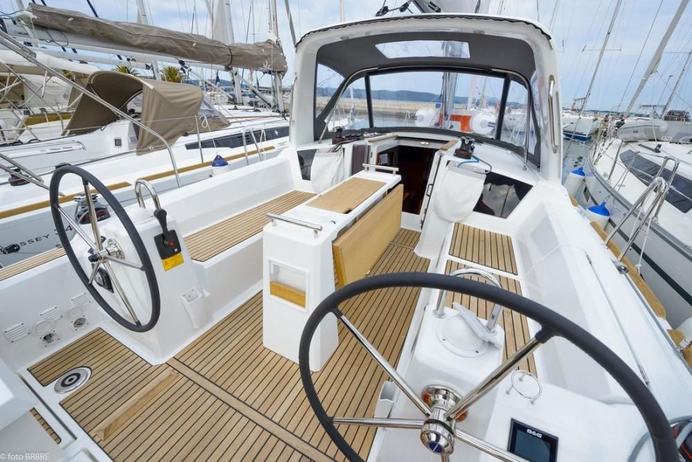 Rent a Bénéteau Oceanis 35.1 Croatia