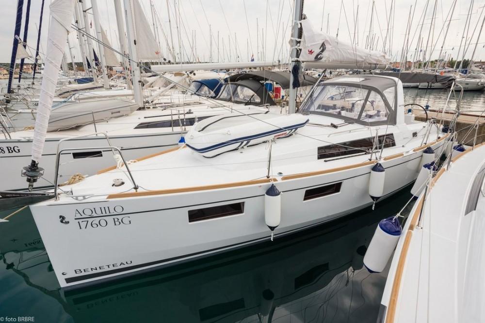 Boat rental Bénéteau Oceanis 35.1 in Croatia on Samboat
