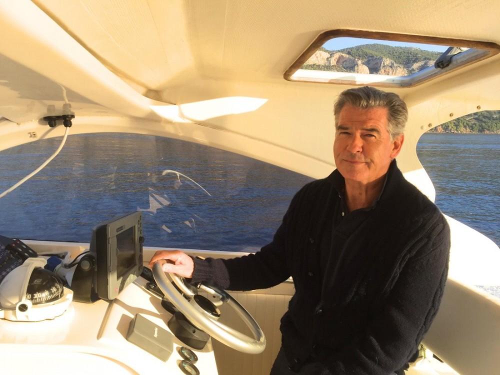 Boat rental  cheap Lomac Airone 40