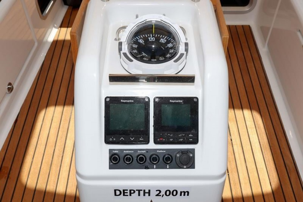 Jeanneau Sun Odyssey 440 between personal and professional Pirovac