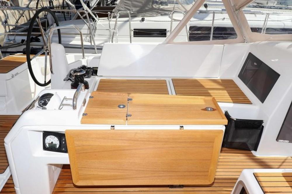 Rental Sailboat in  - Jeanneau Sun Odyssey 440 - 3 cab.